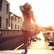 γυναίκα χωρίς ευρυαγγείες το καλοκαίρι